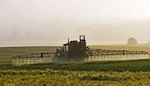 Tracteur pesticides
